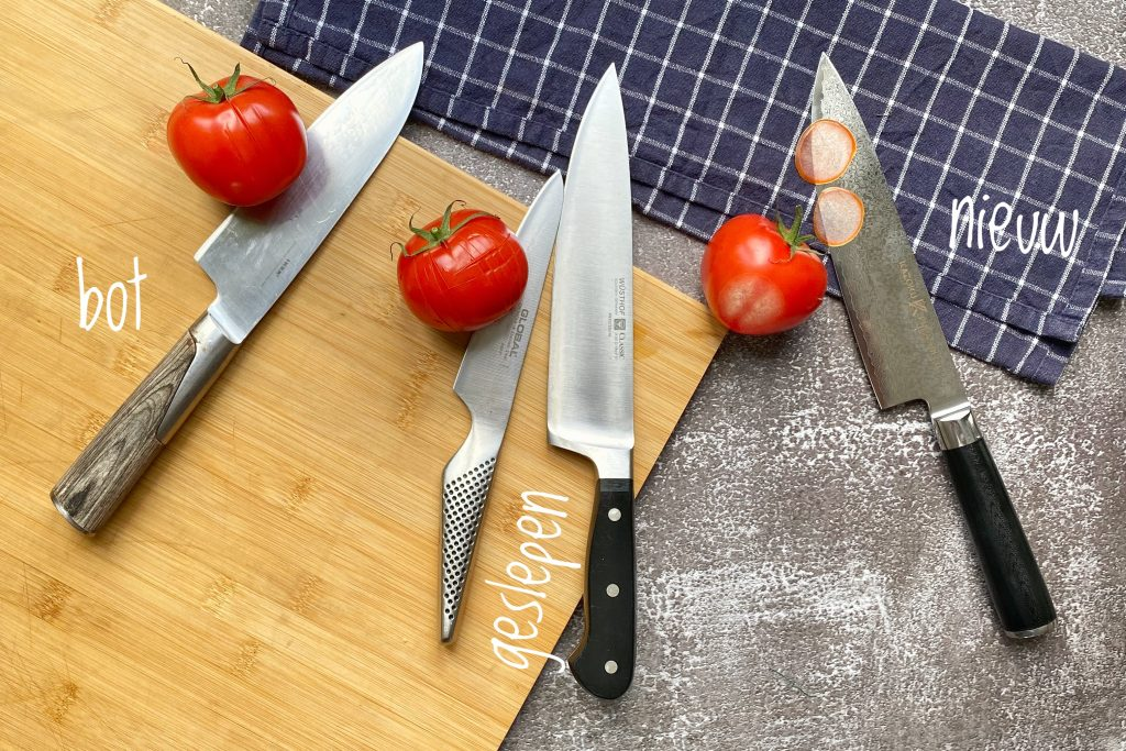 Chefs knives with tomatoes