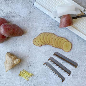 mandoline met aardappels