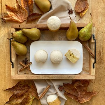 Pear mousse tartlets