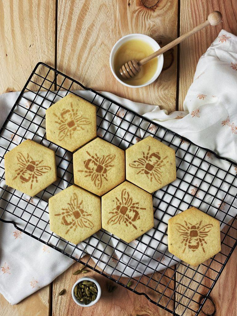 honey cardamom cookies