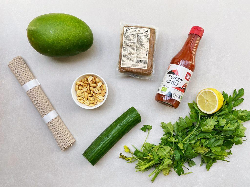 soba noedelsalade ingredienten